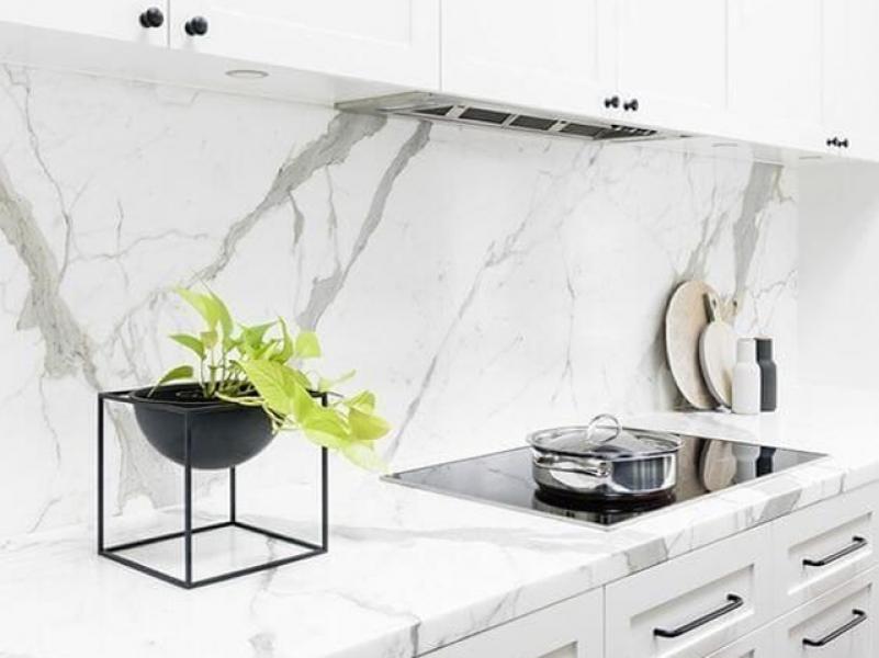10 Material Backsplash Kitchen Set. Mana Yang Pas Untuk Dapur Anda?